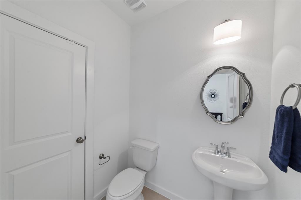 Sold Property   1421 ALBERTI Avenue Plano, Texas 75075 27