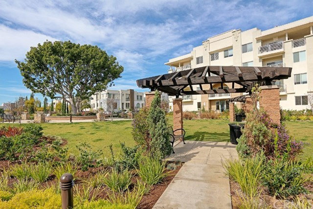 Closed | 13029 Central  Avenue #404 Hawthorne, CA 90250 10