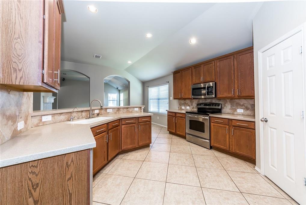 Sold Property | 914 Horizon Ridge Circle Little Elm, Texas 75068 2