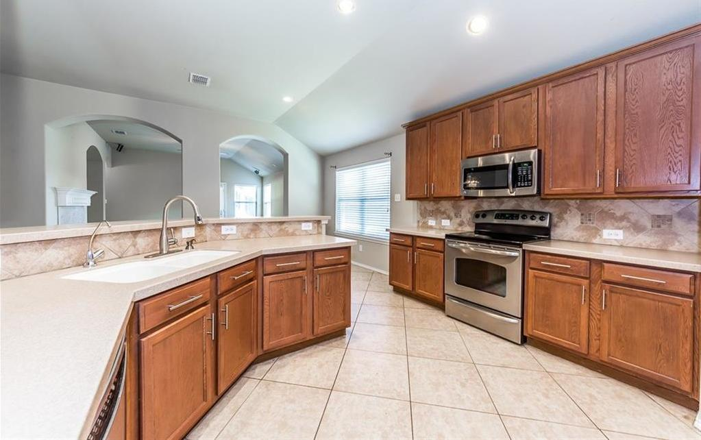 Sold Property | 914 Horizon Ridge Circle Little Elm, Texas 75068 3