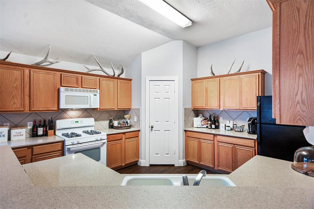 Pending | 25923 Hopson Meadows  Drive Richmond, TX 77406 8