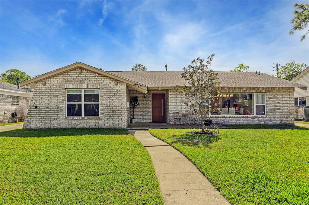 Active | 5743 Cheltenham  Drive Houston, TX 77096 3
