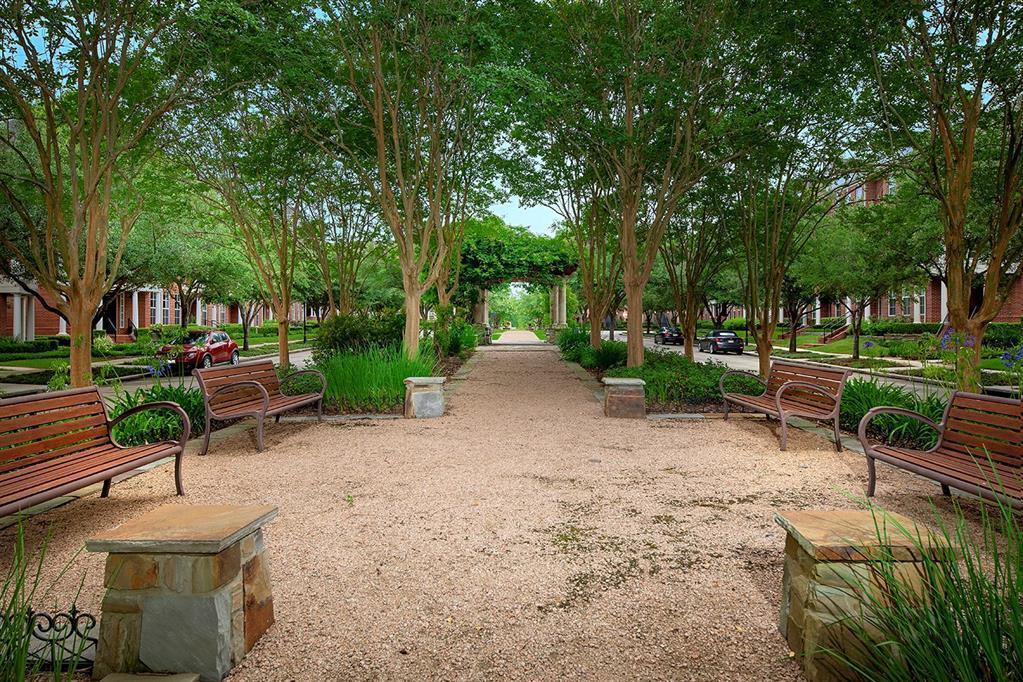 Active | 15 Islewood Boulevard The Woodlands, Texas 77380 26