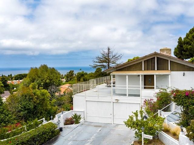 Pending | 1064 Via Ventana Palos Verdes Estates, CA 90274 2