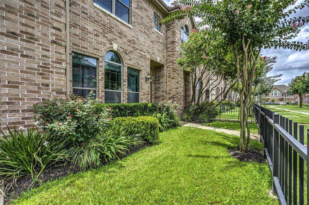 Option Pending   2739 Windy Thicket  Lane Houston, TX 77082 2