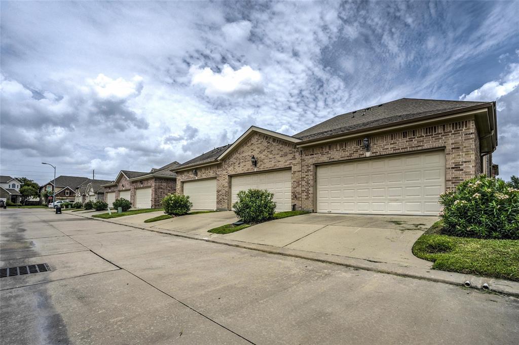 Option Pending   2739 Windy Thicket  Lane Houston, TX 77082 24