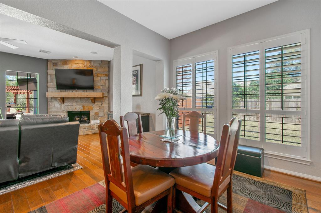 Pending | 22 Silver Lute  Place The Woodlands, TX 77381 13