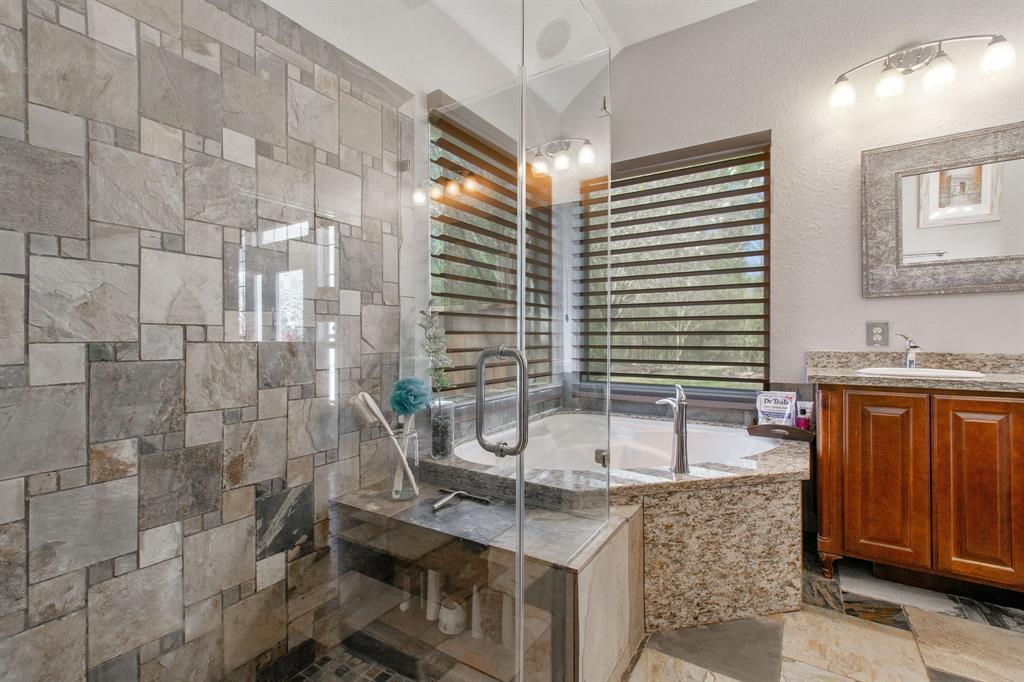 Pending | 22 Silver Lute  Place The Woodlands, TX 77381 18