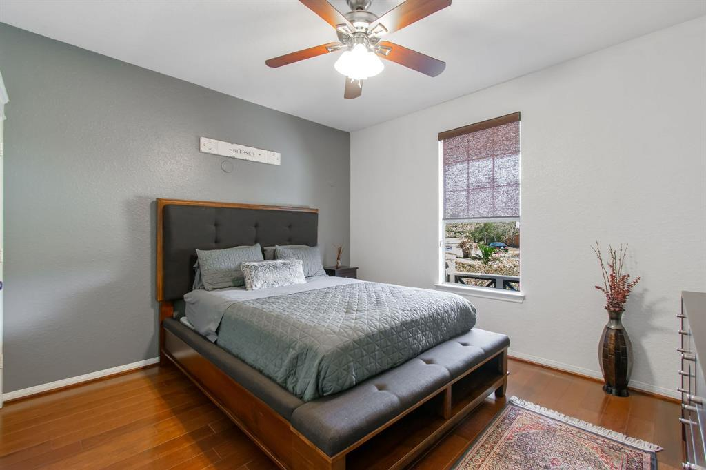 Pending | 22 Silver Lute  Place The Woodlands, TX 77381 22
