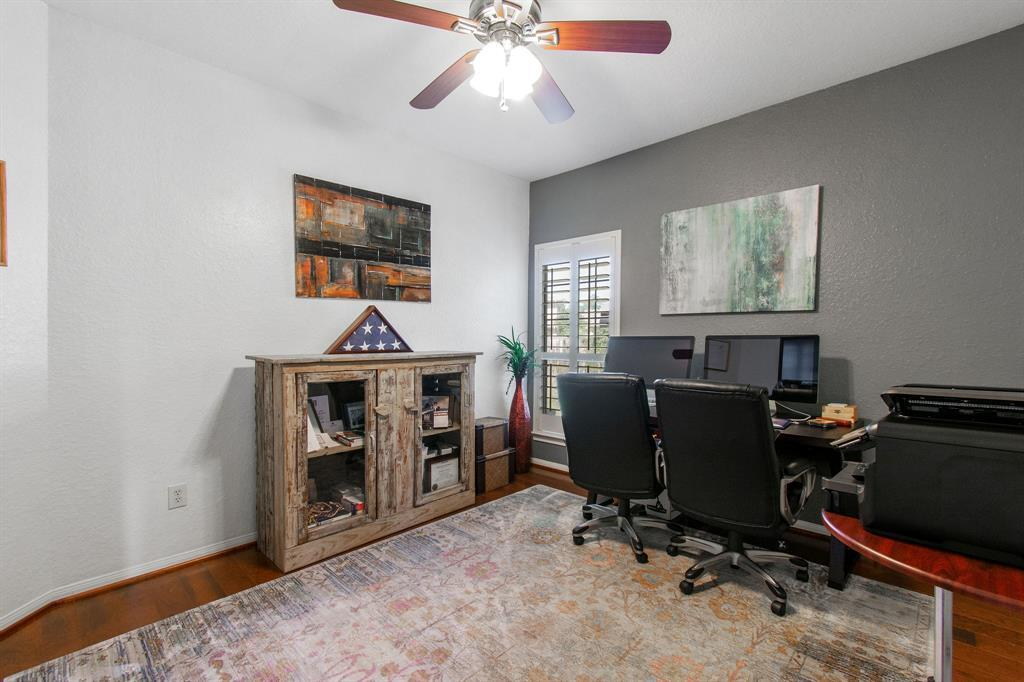 Pending | 22 Silver Lute  Place The Woodlands, TX 77381 24