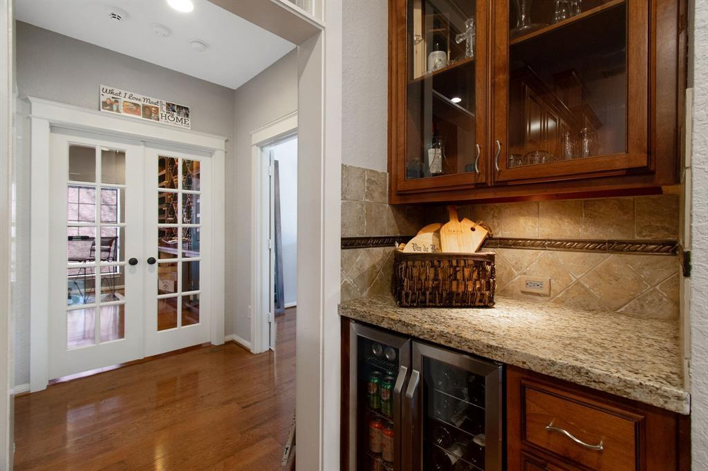 Pending | 22 Silver Lute  Place The Woodlands, TX 77381 28