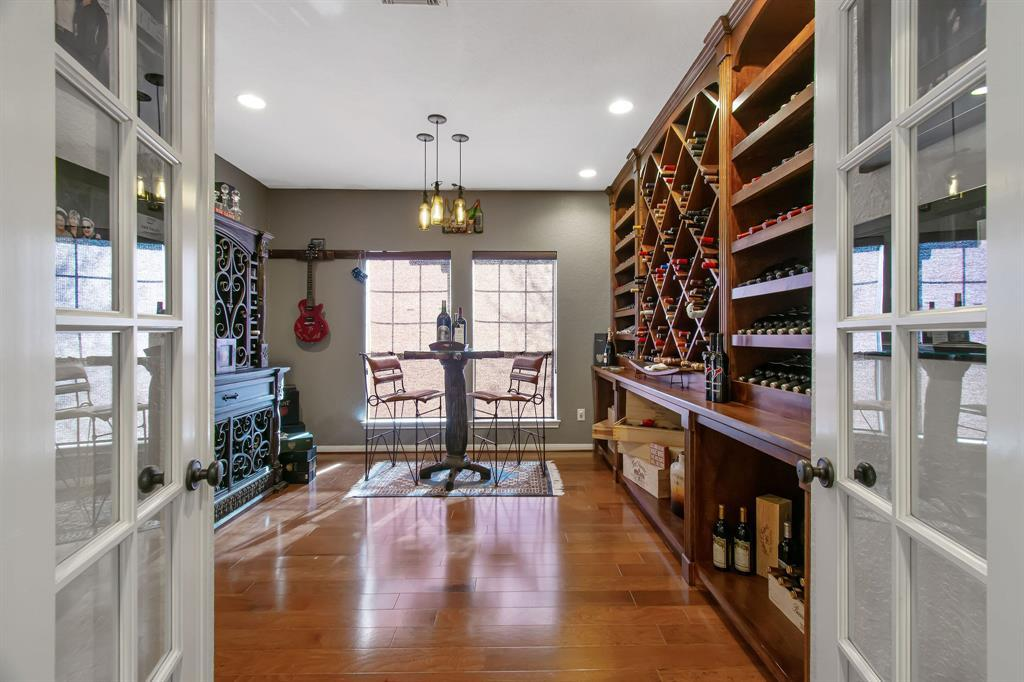 Pending | 22 Silver Lute  Place The Woodlands, TX 77381 3