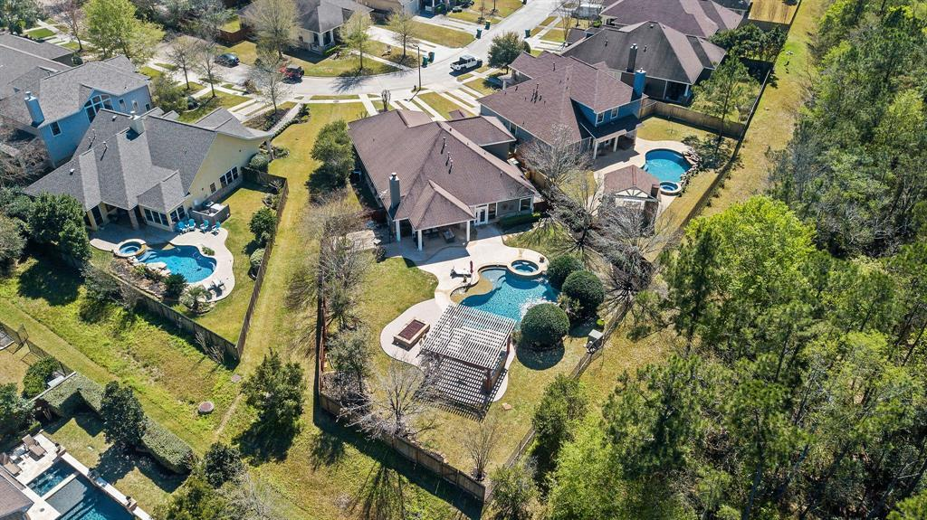 Pending | 22 Silver Lute  Place The Woodlands, TX 77381 38