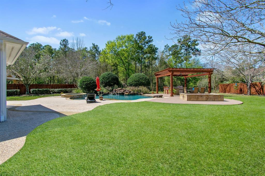 Pending | 22 Silver Lute  Place The Woodlands, TX 77381 45