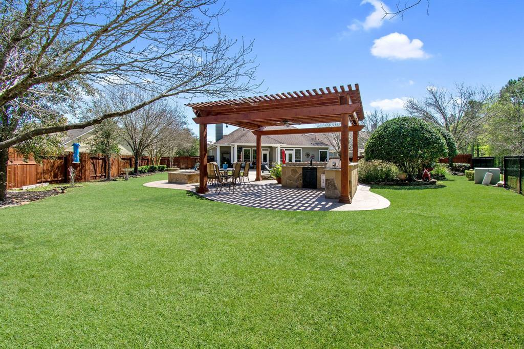 Pending | 22 Silver Lute  Place The Woodlands, TX 77381 46
