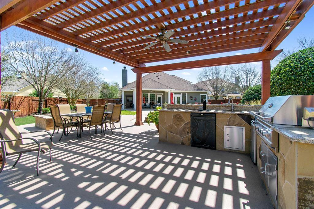 Pending | 22 Silver Lute  Place The Woodlands, TX 77381 47
