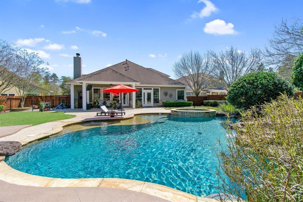 Pending | 22 Silver Lute  Place The Woodlands, TX 77381 49