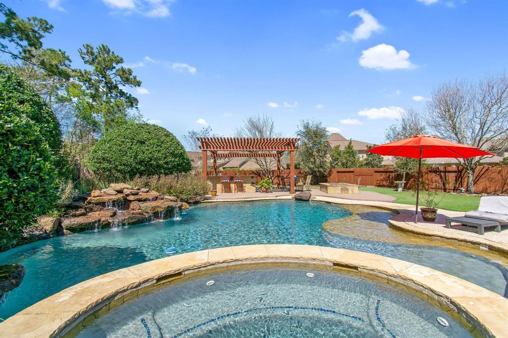 Pending | 22 Silver Lute  Place The Woodlands, TX 77381 53