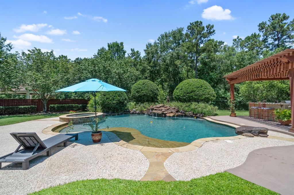 Pending | 22 Silver Lute  Place The Woodlands, TX 77381 71
