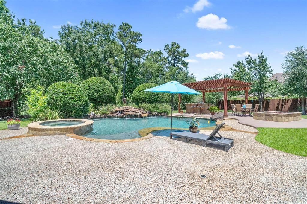 Pending | 22 Silver Lute  Place The Woodlands, TX 77381 74