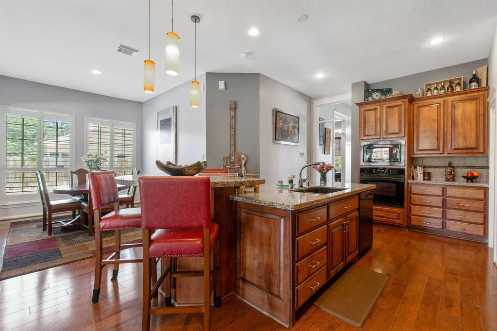 Pending | 22 Silver Lute  Place The Woodlands, TX 77381 8