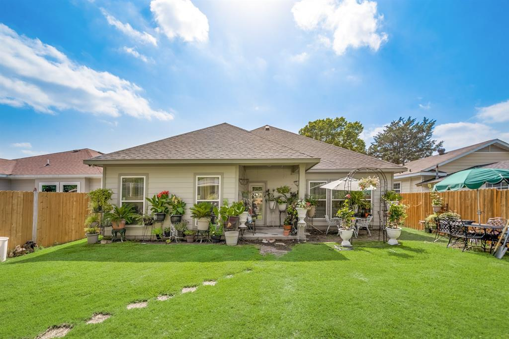 Pending | 766 Elkhart  Avenue Dallas, TX 75217 15