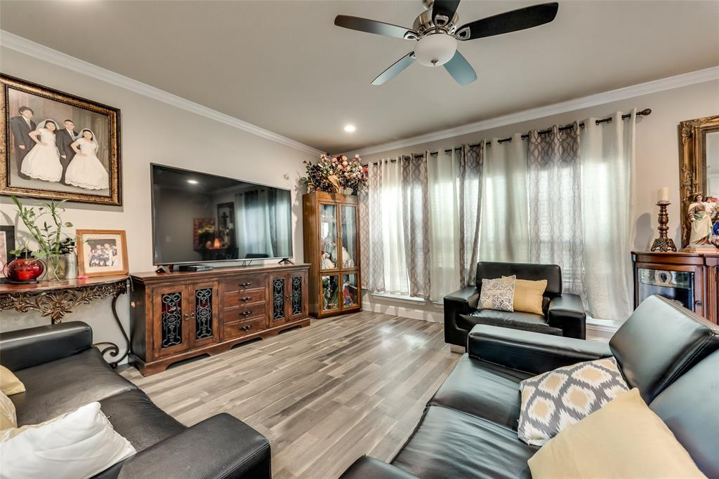 Pending | 766 Elkhart  Avenue Dallas, TX 75217 8