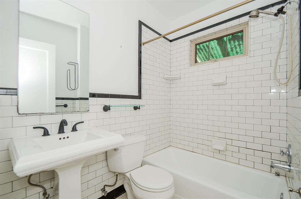 Sold Property   1313 Peden  Street Houston, TX 77006 15