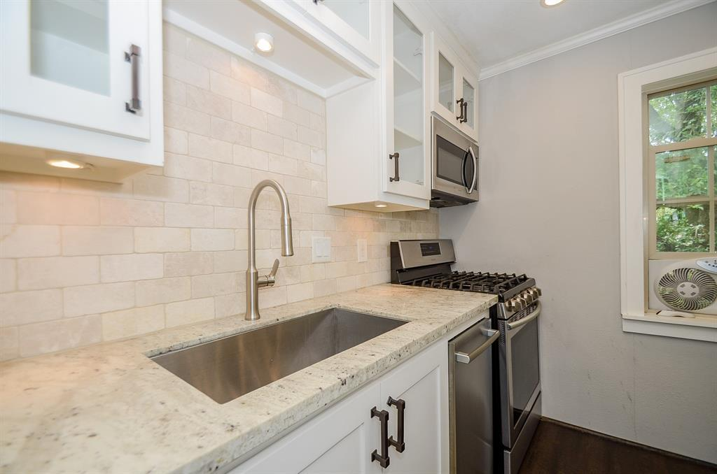 Sold Property   1313 Peden  Street Houston, TX 77006 30