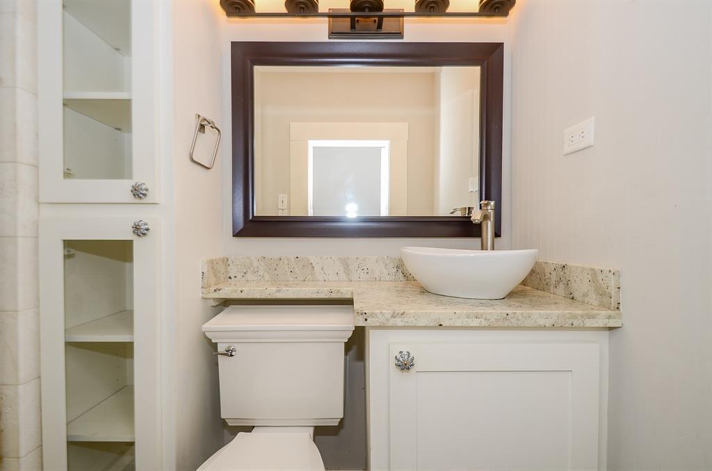 Sold Property   1313 Peden  Street Houston, TX 77006 35