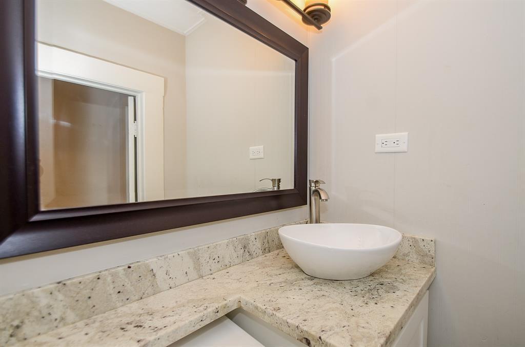 Sold Property   1313 Peden  Street Houston, TX 77006 37