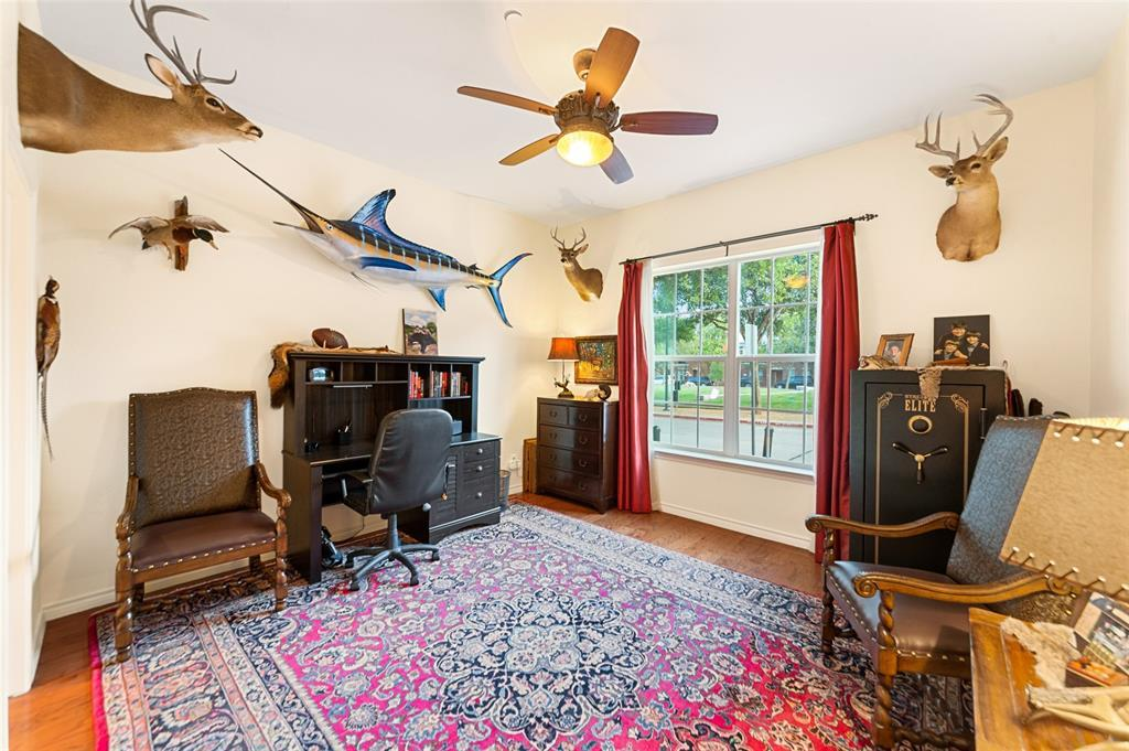 Sold Property | 5015 Parkview Place Addison, Texas 75001 4