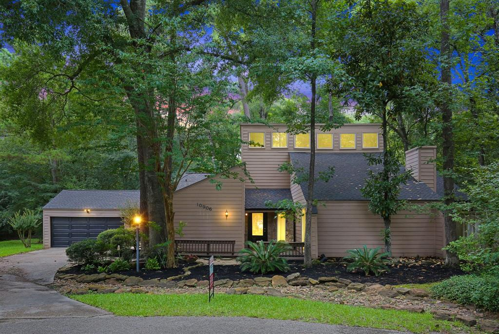Option Pending | 10906 Loggers Luck Place The Woodlands, Texas 77380 1