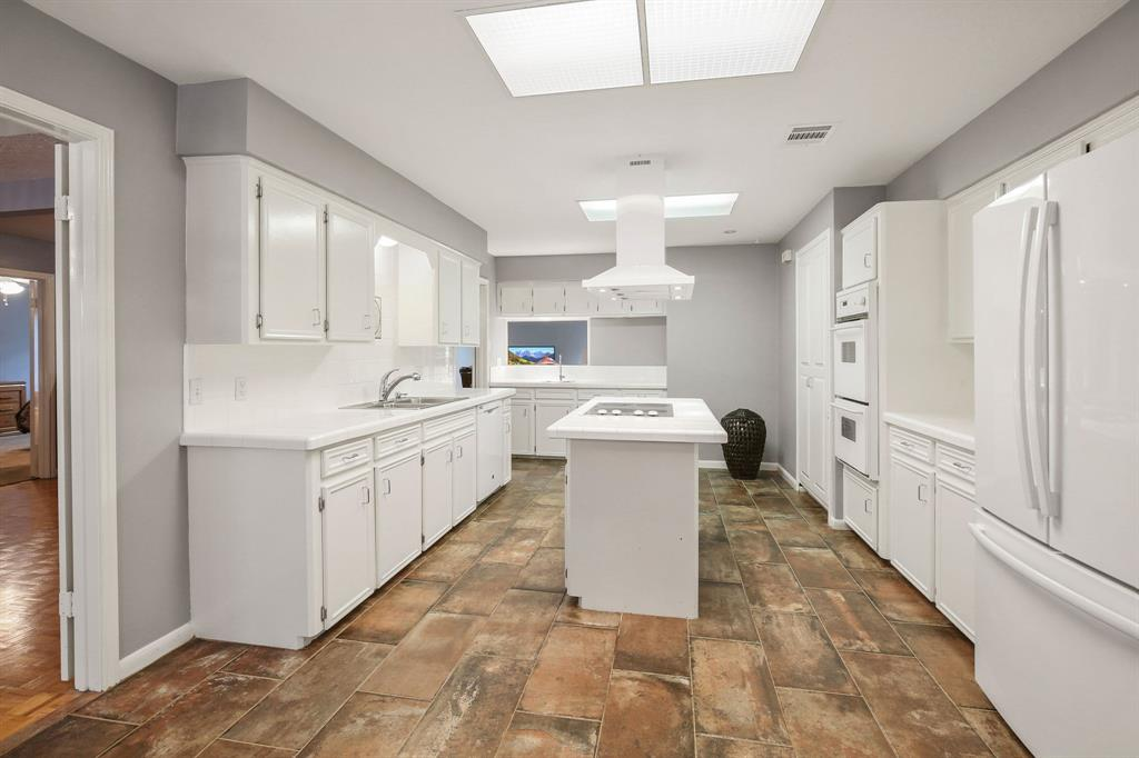 Option Pending | 10906 Loggers Luck Place The Woodlands, Texas 77380 14