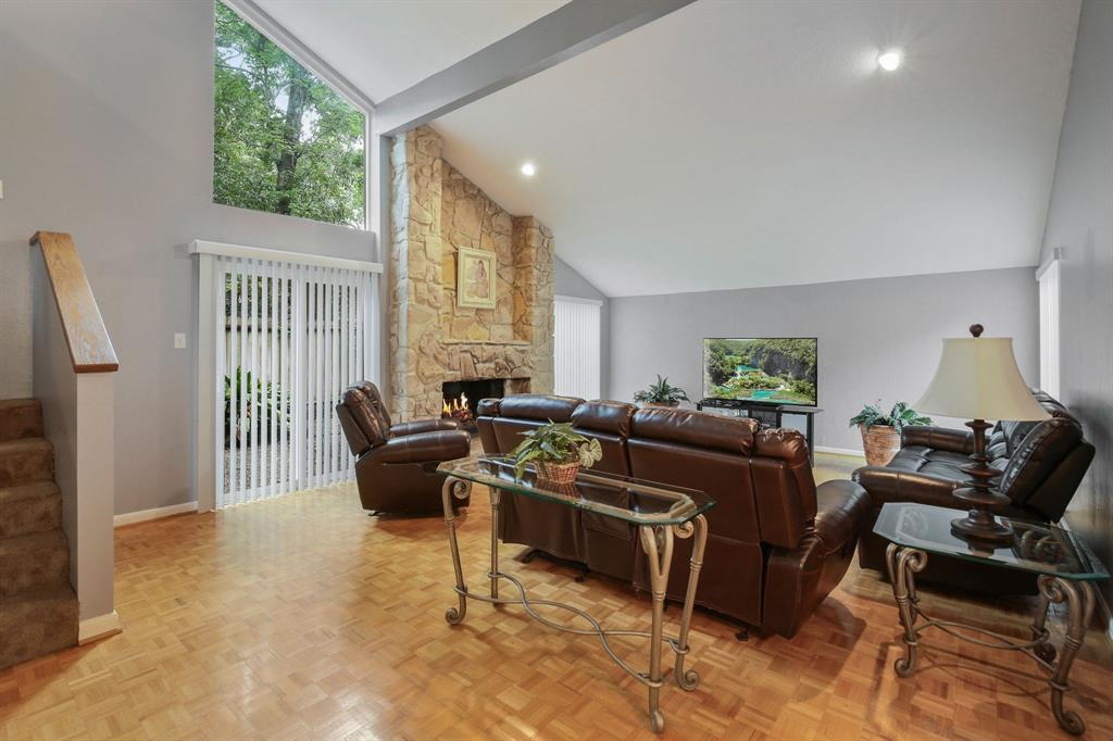 Option Pending | 10906 Loggers Luck Place The Woodlands, Texas 77380 6