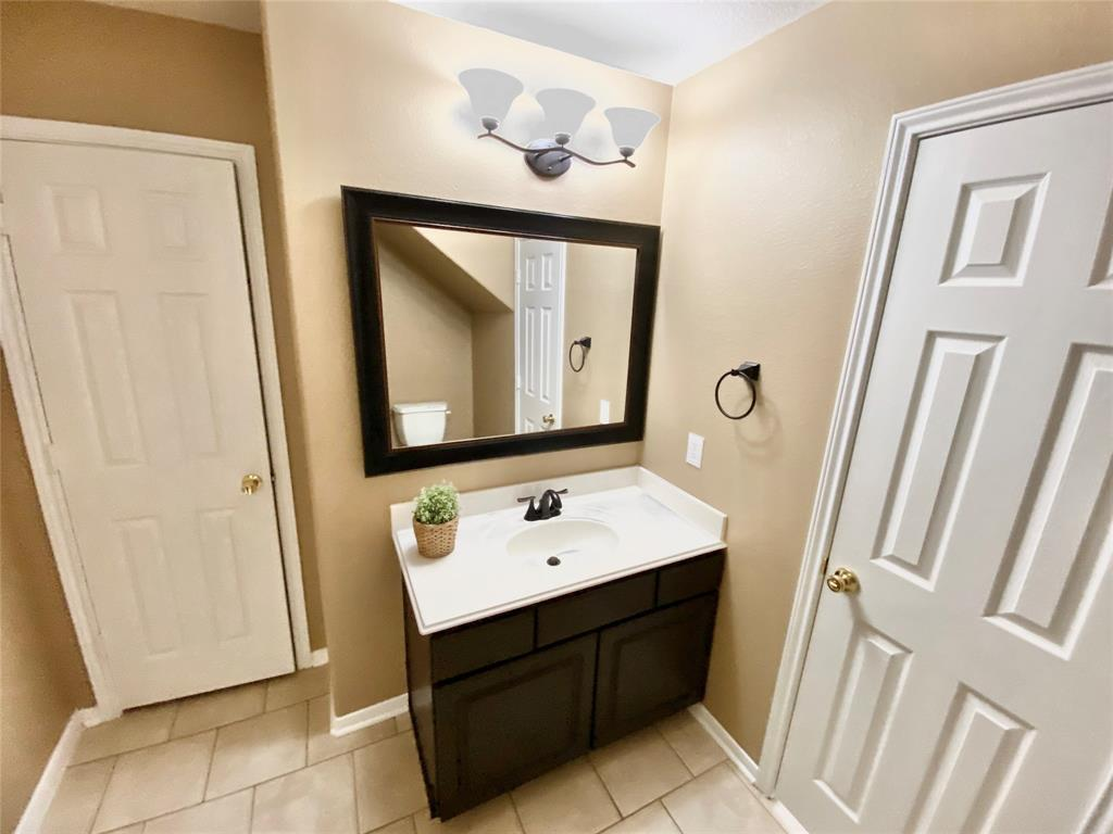 Pending Continue to Show | 3502 Apple Dale  Drive Houston, TX 77084 16