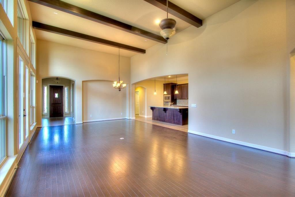 Option Pending | 63 silent circle drive Sugar Land, TX 77498 2