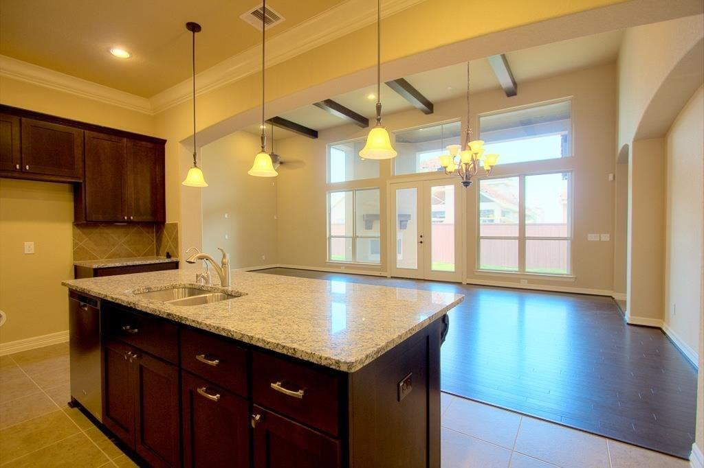 Option Pending | 63 silent circle drive Sugar Land, TX 77498 3