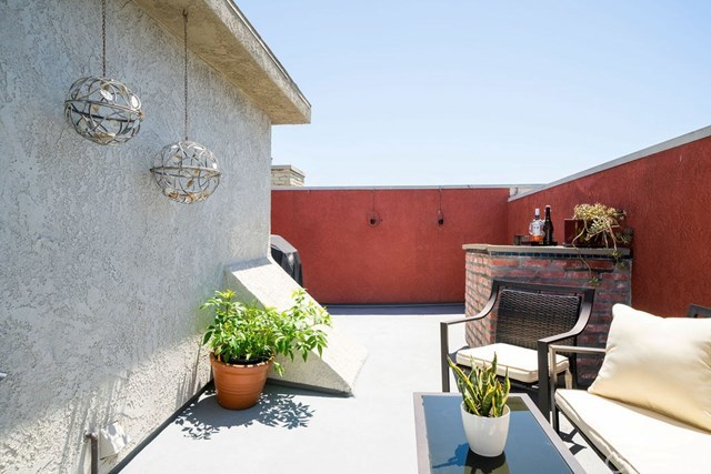 Closed | 839 S Holt  Avenue #101 Los Angeles, CA 90035 13
