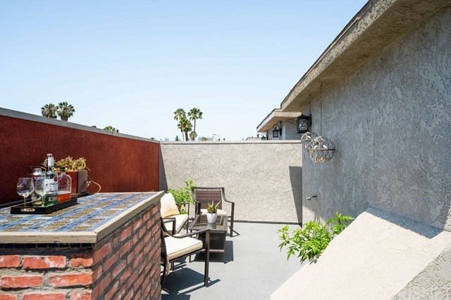 Closed | 839 S Holt  Avenue #101 Los Angeles, CA 90035 14