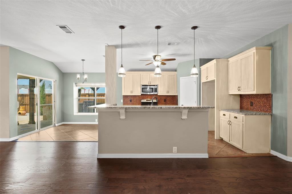 DFW Real Estate | 4100 Vinyard  Way Denton, TX 76226 8