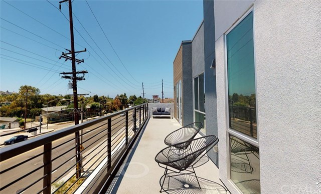 Active | 1920 S Pacific Coast Highway   #305 Redondo Beach, CA 90277 12