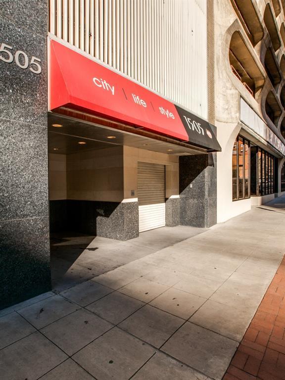 Active | 1505 Elm Street #505 Dallas, Texas 75201 24