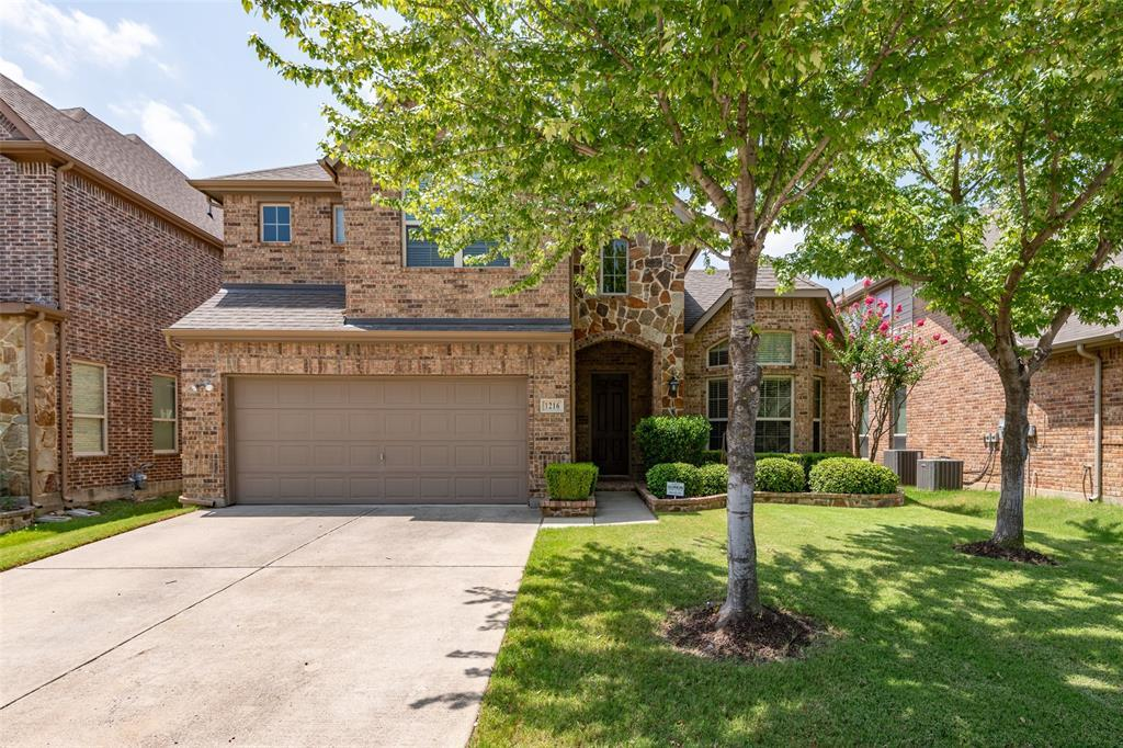 Sold Property | 1216 Realoaks  Drive Fort Worth, TX 76131 2
