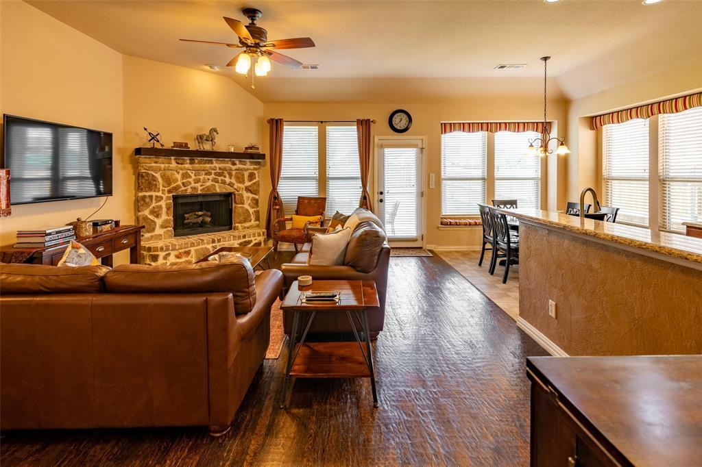 Sold Property | 1216 Realoaks  Drive Fort Worth, TX 76131 11