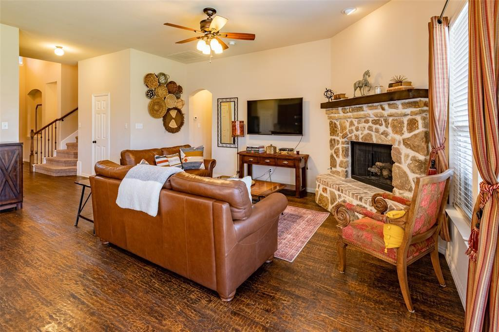 Sold Property | 1216 Realoaks  Drive Fort Worth, TX 76131 12