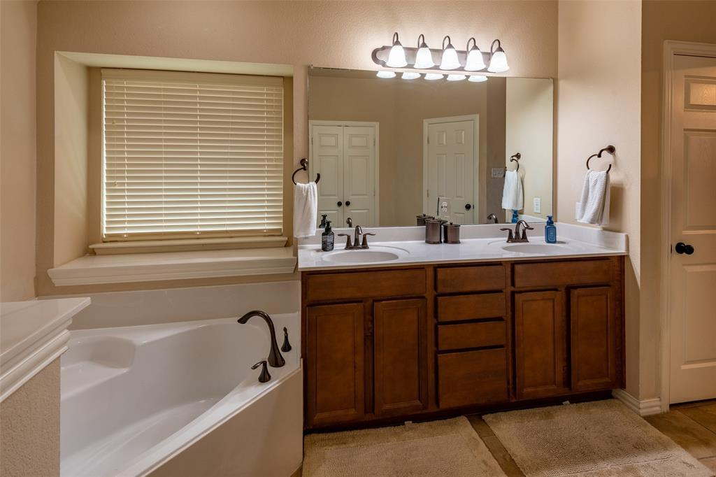 Sold Property | 1216 Realoaks  Drive Fort Worth, TX 76131 22