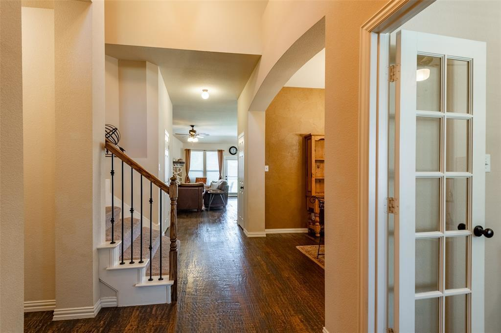 Sold Property | 1216 Realoaks  Drive Fort Worth, TX 76131 4