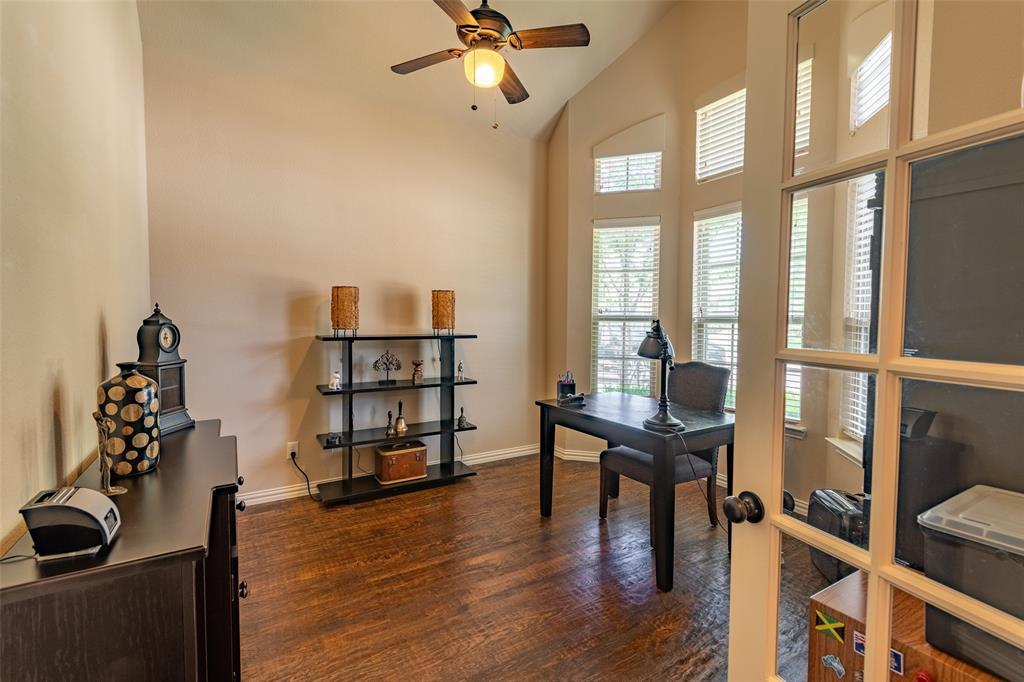 Sold Property | 1216 Realoaks  Drive Fort Worth, TX 76131 5