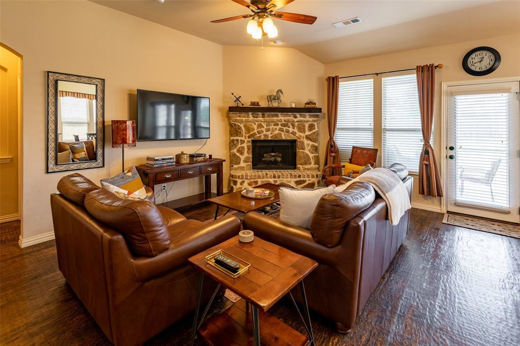 Sold Property | 1216 Realoaks  Drive Fort Worth, TX 76131 10